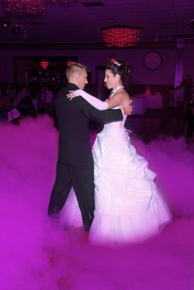 pour votre mariage vous pouvez prparer louverture du bal par la danse de votre choix la valse ntant pas une obligation elle reste nanmoins dans les - Valse Pour Ouverture De Bal Mariage
